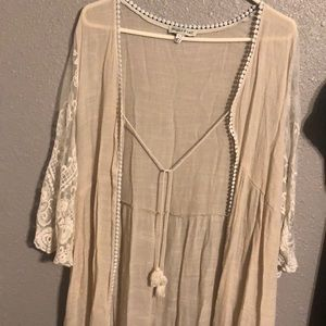 White lace duster - never worn Super cute!